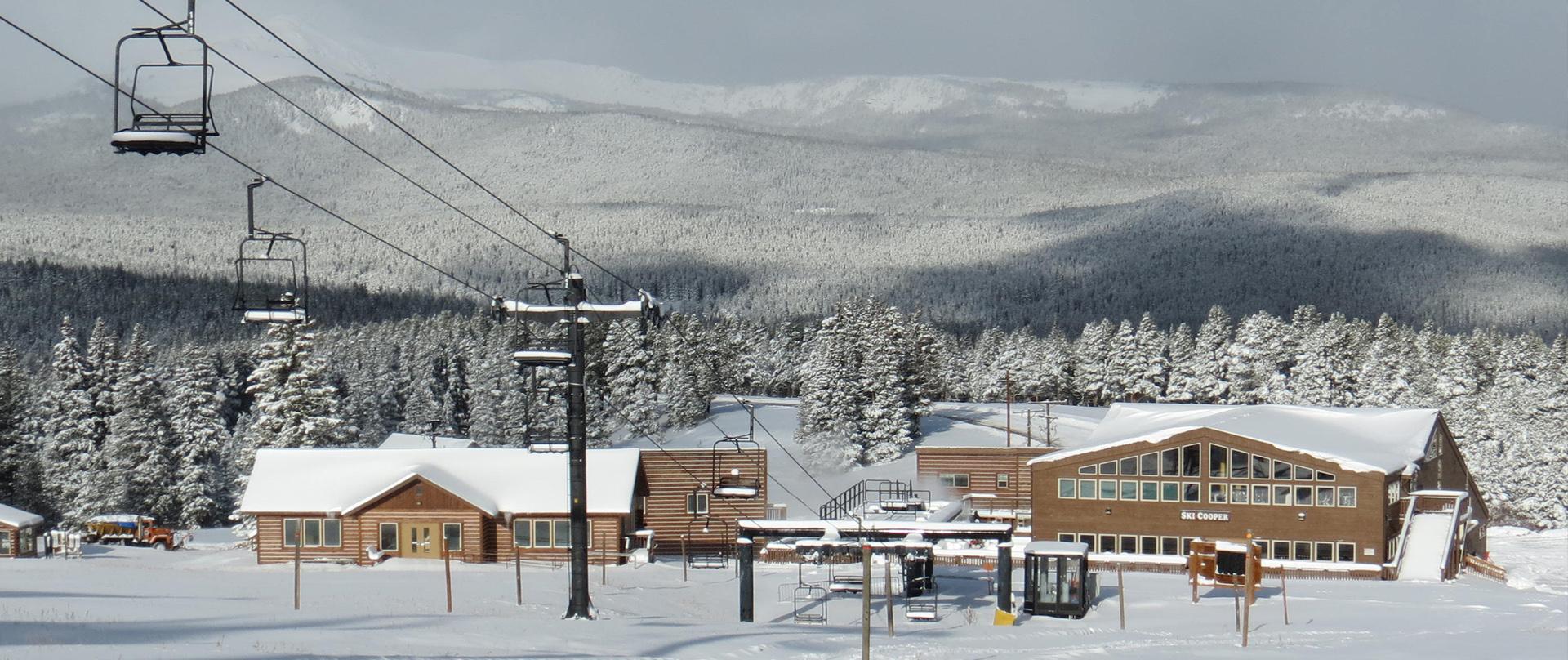 Ski Cooper Base area